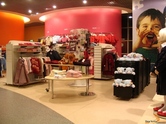 Children's goods store layout